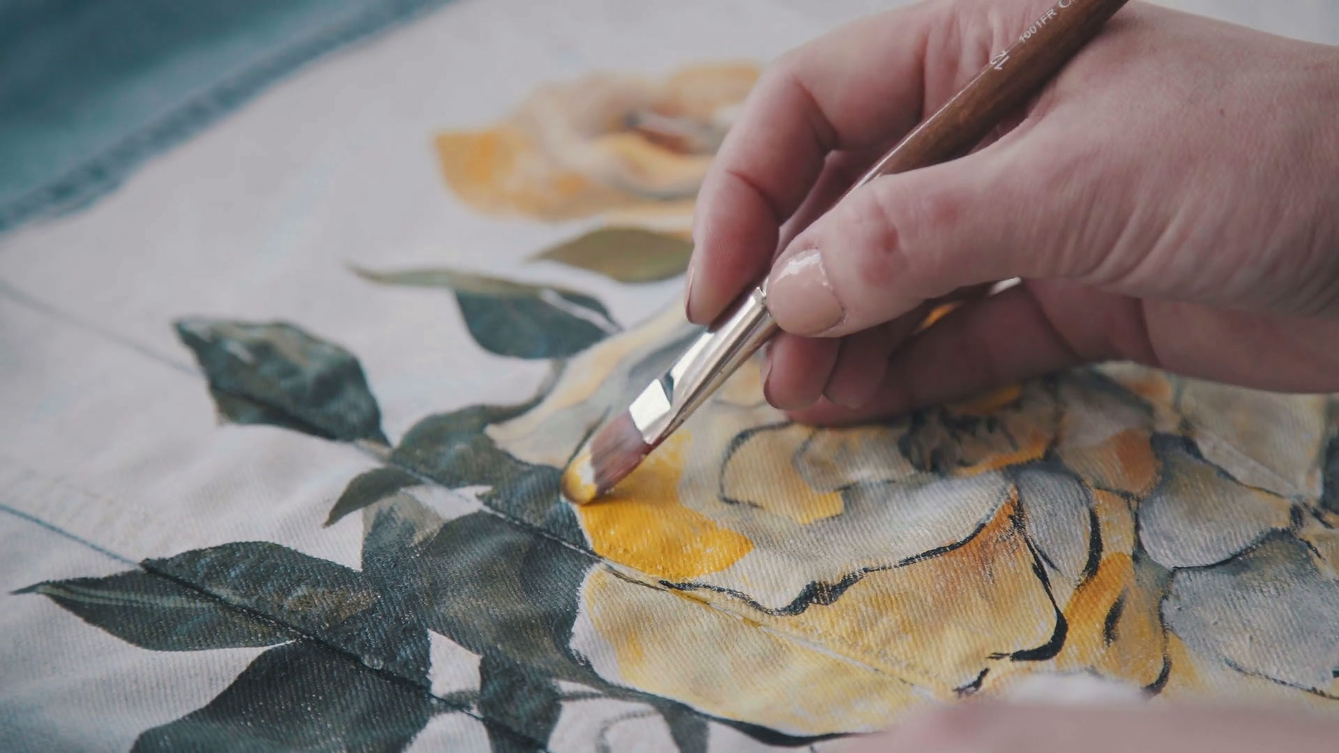 نقاشی روی پارچه